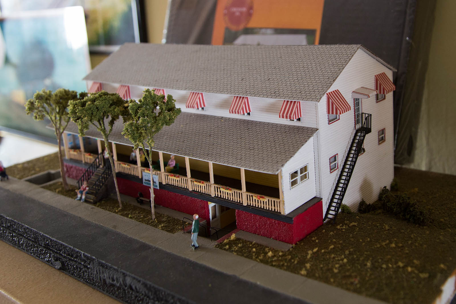 Station Inn HO Model
